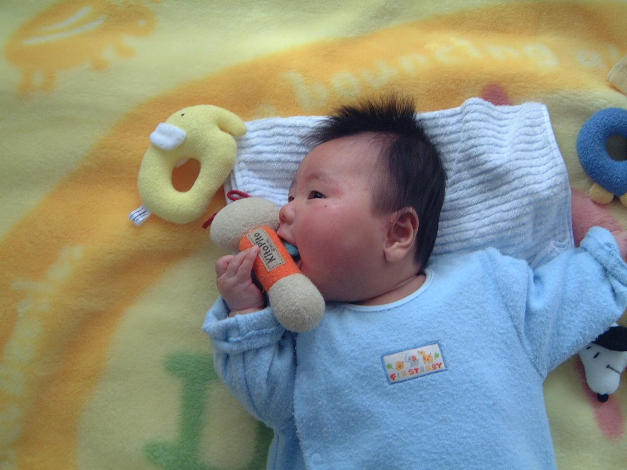 男の赤ちゃん 生後3ヵ月