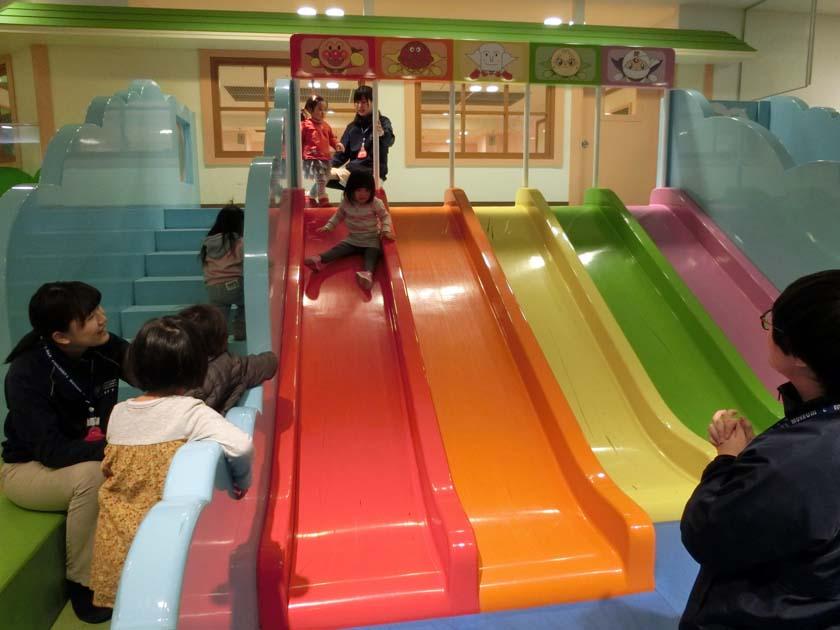 アンパンマンミュージアム 大きな滑り台