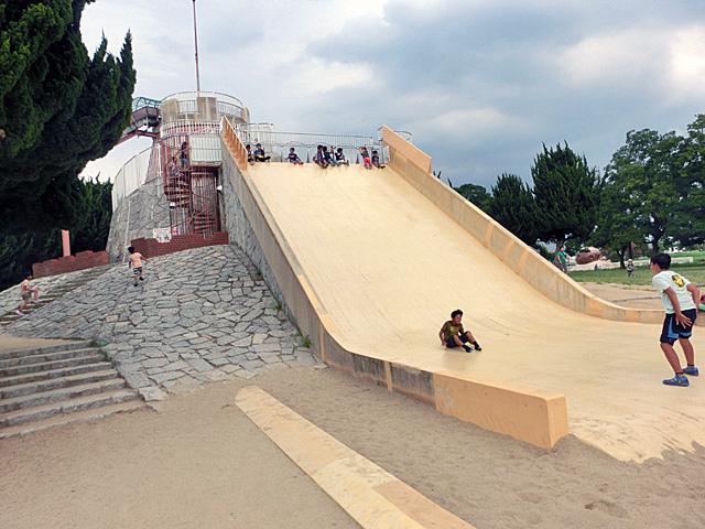 大泉緑地 めちゃ滑る滑り台
