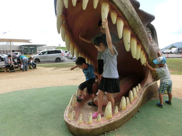 福井 恐竜博物館 公園 遊具