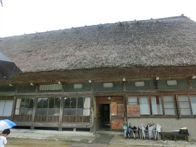 白川郷 藁ぶき屋根