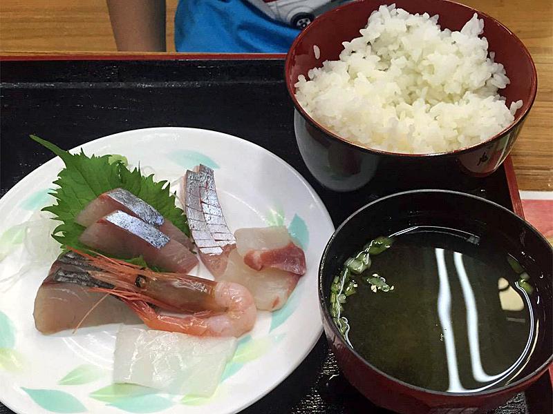 舞鶴道の駅とれとれセンター 海鮮丼
