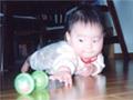 生後7ヶ月の女の赤ちゃんの写真