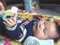 生後4ヶ月の男の赤ちゃんの写真