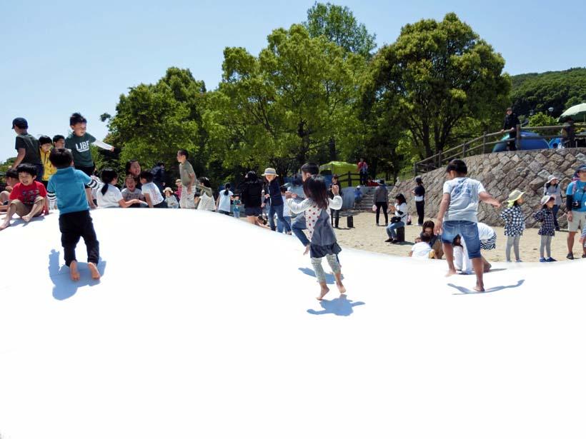 淡路島公園 ふわふわドーム トランポリン