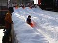 今宮戎神社 今宮こどもえびす祭 雪 そり遊び