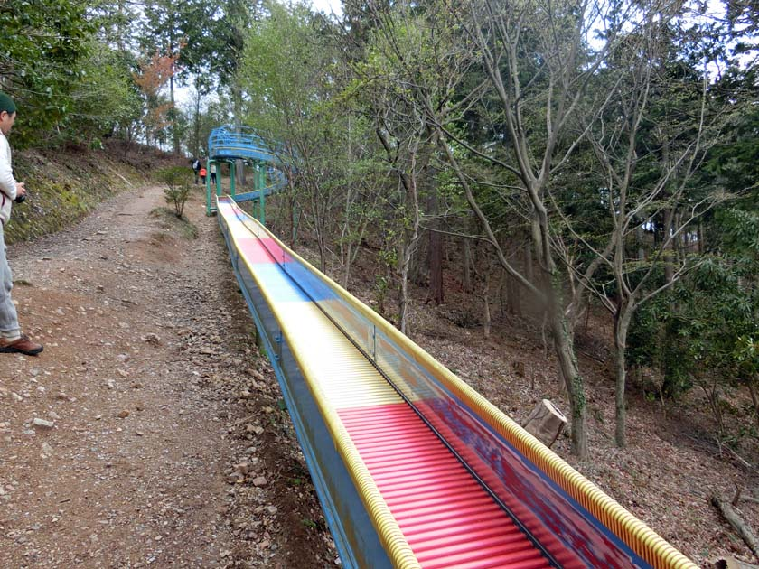グリーンパーク山東 ドラゴンスライダー ロングローラー滑り台