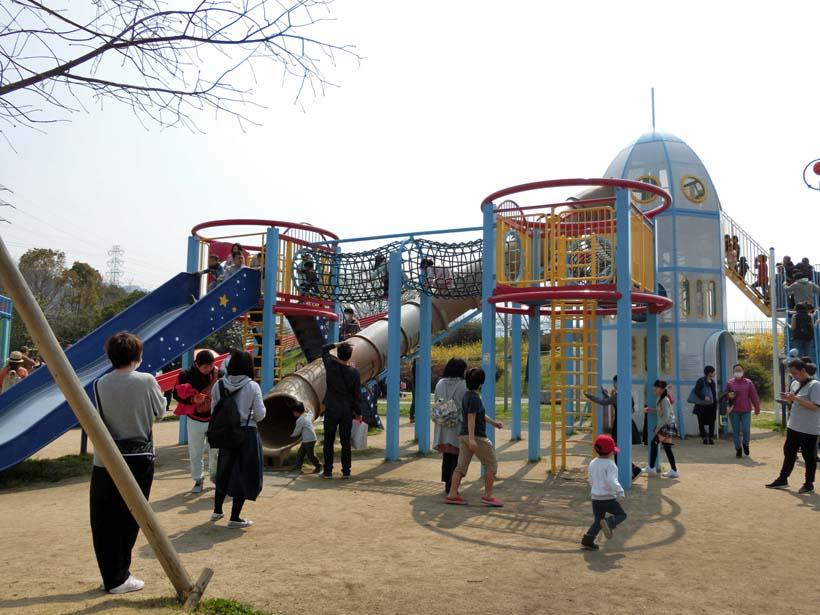 深北緑地公園 ロケット広場 ロケット遊具