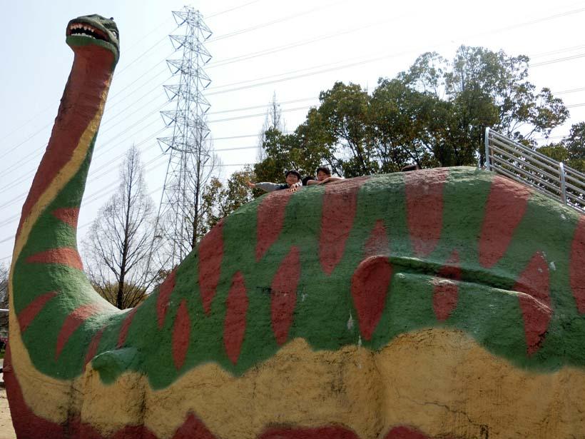 深北緑地公園 恐竜広場 恐竜滑り台