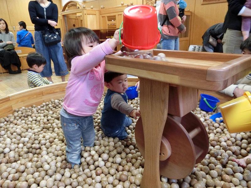 こどもみらい館 こども元気ランド 木製ボールプール