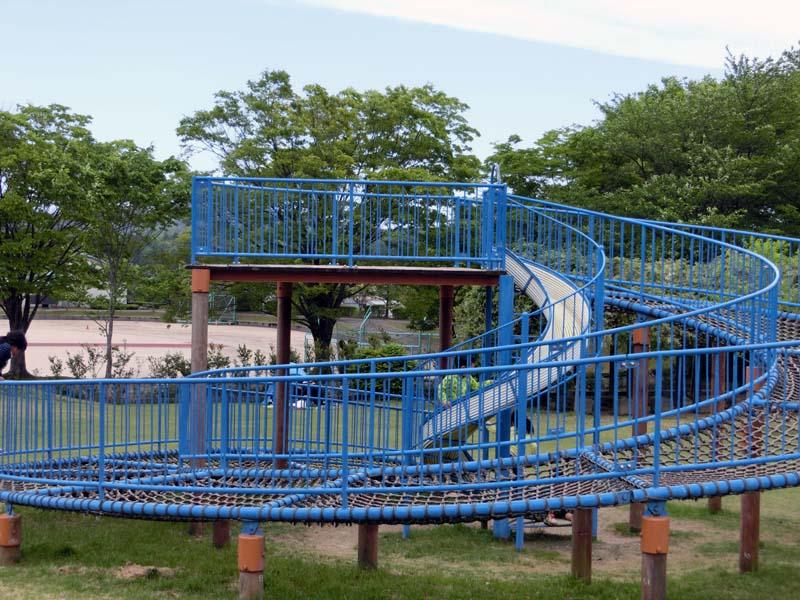 峰山途中ヶ丘公園 アスレチック遊具