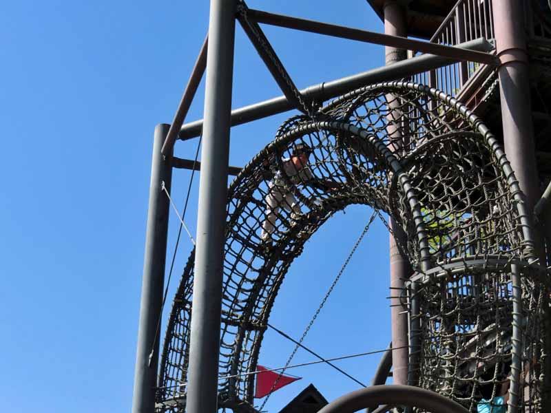 鴻巣山公園(城陽市総合運動公園) ロープトンネル遊具