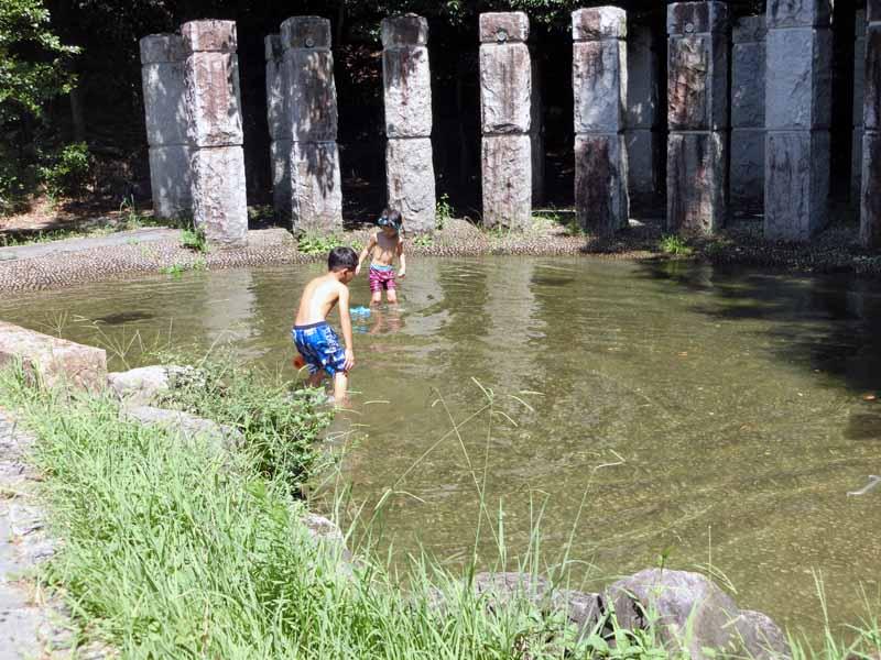 こうのすやま運動公園(城陽市総合運動公園) 水遊び じゃぶじゃぶ池