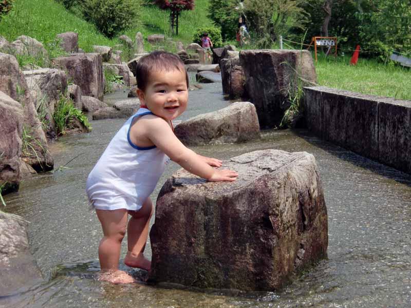 鴻巣山公園(城陽市総合運動公園) 水遊び 渓流 川遊び