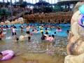 鶴見緑地プール 波のあるプール