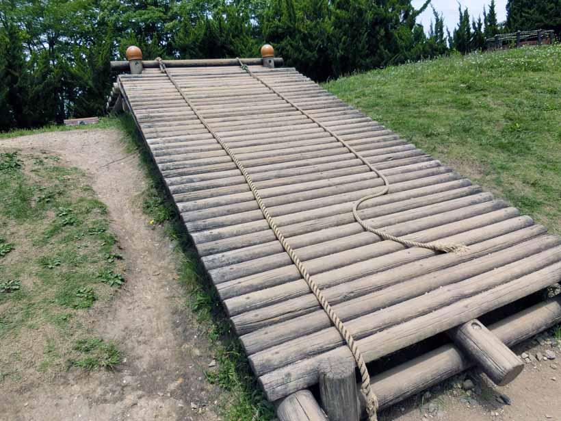 丹波自然公園 地下迷路 アスレチック遊具