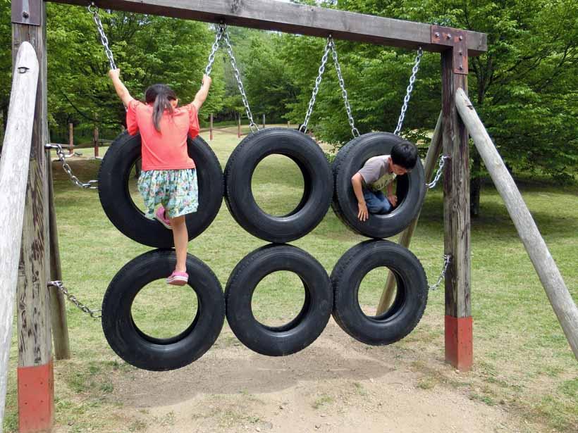 丹波自然公園 タイヤ遊具