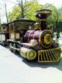 大阪城公園スライダーの敷物&ロードトレイン