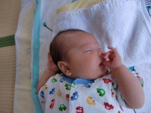 生後2ヶ月:昼夜の区別