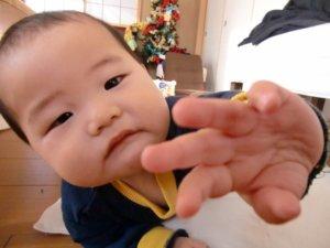 生後8ヶ月:後追い