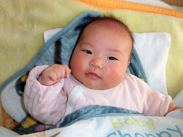 笑う赤ちゃん(生後2ヵ月)