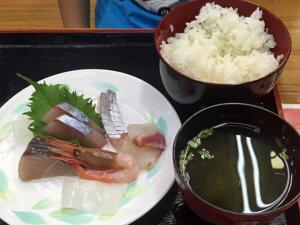 舞鶴とれとれセンターで海鮮丼