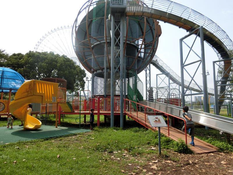 万博記念公園 滑り台や遊具のある遊び場へ!