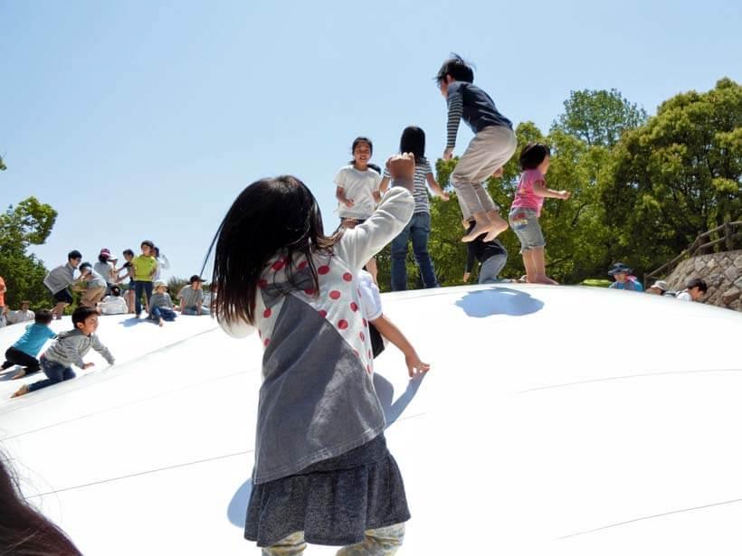 淡路島公園はアスレチックとクレヨンしんちゃんで遊べるゾ