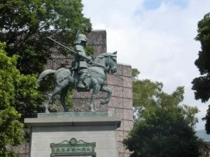 高知旅行!関西発 子連れで二泊三日で高知へ3日目(高知城とひろめ市場)